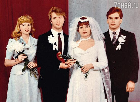 С первым мужем Владимиром Повалием. 1982 г.