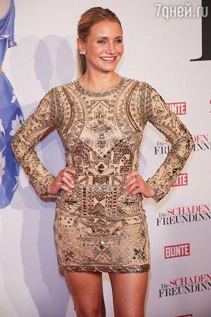 Камерон Диаз в платье от Emilio Pucci и сережками от Ana Khouri