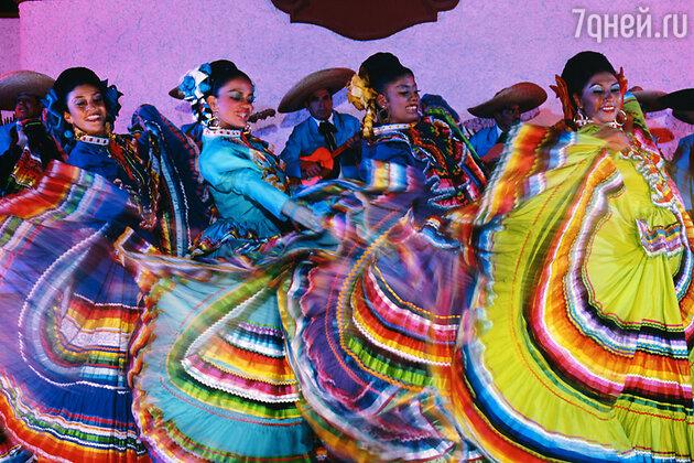 Ночное представление в Акапулько, Мексика