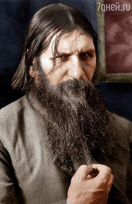 Обласканный вниманием венценосной четы, он вовсе не стал пресмыкаться, не надел галстук, не выбрался, как многие, «из грязи в князи»