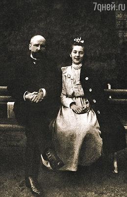 Петр Столыпин с дочерью Наташей у Елагина дворца. Петербург, 1907 год