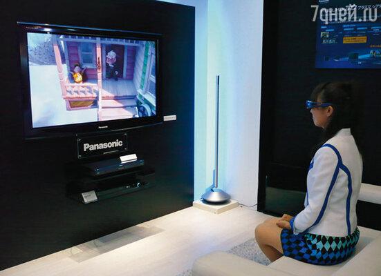 Одна из новинок — 3D-телевизоры. Объемная картинка возникает за счет использования специальных очков с активными светофильтрами