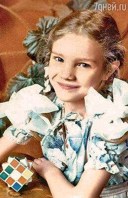 Пятилетняя Наташа Водянова в детском саду