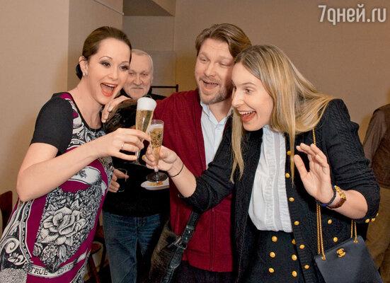 Поздравления отблизких друзей Егора и Алены Пазенко