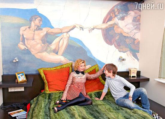 Одна из любимых интерьерных «фишек» Лады— росписи на стенах. В комнате сына
