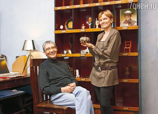 С женой Еленой Савиной