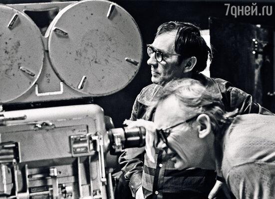 Леонид Иович Гайдай был моей надеждой. Мечтой о новой Грицацуевой. Гайдай с оператором Сергеем Полуяновым, 1977г.