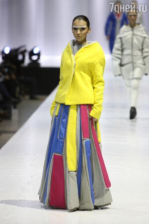 Модель  показа  конкурса молодых дизайнеров фонда «Русский силуэт»