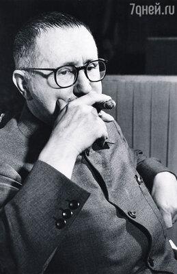 Брехт умер 14 августа 1956 года, в 58 лет. После его смерти Елена Вайгель узнала, что часть доходов от пьес он собирался оставить молодым любовницам