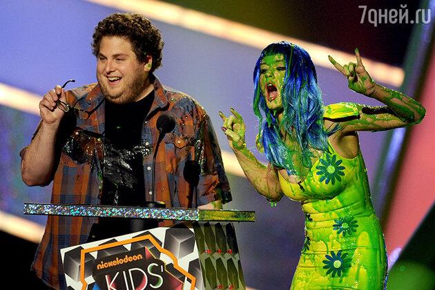 Джона Хилл и Кэти Перри на  церемонии вручения наград Kids Choice Awards