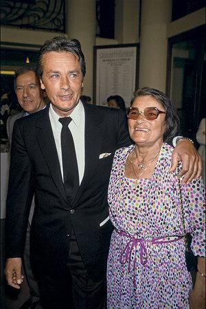 Делон с матерью. Париж, 1986 г.