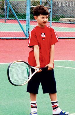 Жанник с детства был спортивным парнем. Сейчас его главное увлечение - сноуборд