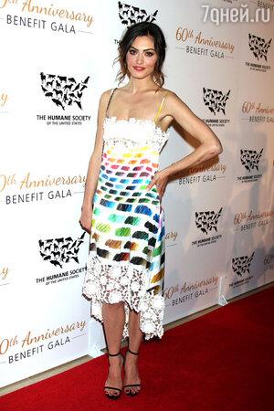 Фиби Тонкин в платье Dior