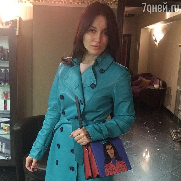 Тина Канделаки с сумкой Prada