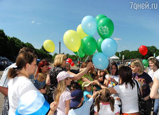 В День защиты детей местом встречи московской детворы и маленьких гостей столицы стал ЦПКиО им. Горького.