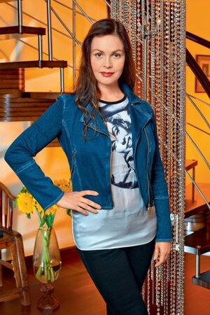 Екатерина Андреева работает на телевидении с 1991 года, ее экранный образ всегда сдержанный