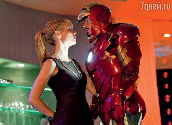 Роберт Дауни сГвинет Пэлтроу вфильме «Железный человек2». 2010 г.
