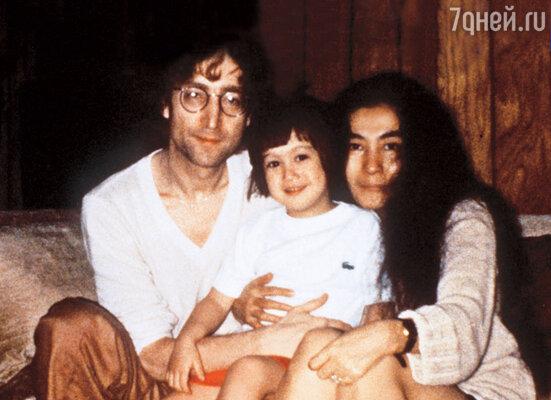 Джон Леннон с женой Йоко и сыном Шоном