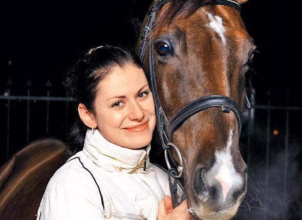 Анна Ковальчук привила дочери любовь к лошадям