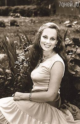 Моя мама считала, что я - девушка видная, начитанная, образованная, и она, как мать, хотела для меня лучшей доли...