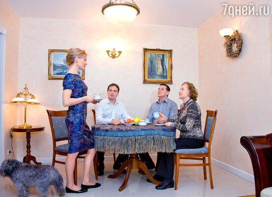 С сыном, мужем и мамой Еленой Ивановной