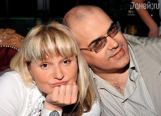 Рита в прессе рассказывала про свою любовь с Литягиным. И он ей подыгрывал! Хотя, насколько я знаю, у Андрея совсем другой идеал женщины...'
