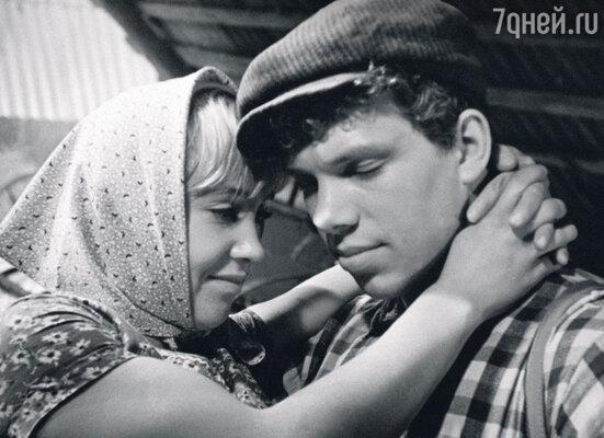С Надеждой Румянцевой вфильме «Полустанок». 1963 г.