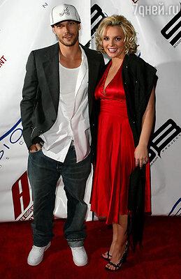 Бритни Спирс с мужем и отцом ее детей Кевином Федерлайном. 2006 год