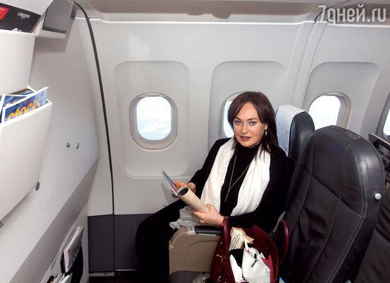 Лариса Гузеева вбизнес-классе самолета швейцарского национального авиаперевозчика SWISS