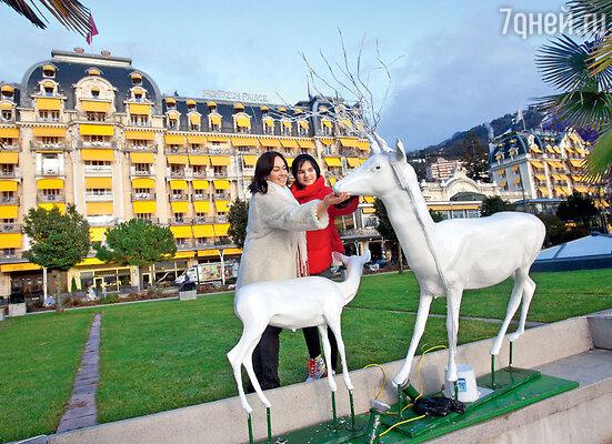 С дочкой Лелей на набережной Женевского озера в Монтрё