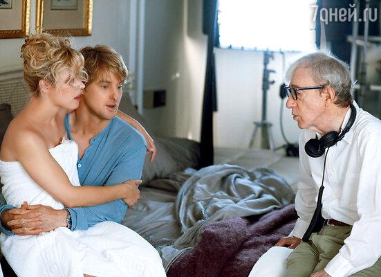 На съемках фильма Вуди Аллена «Полночь в Париже» с партнершей Рэйчел Макадамс и режиссером