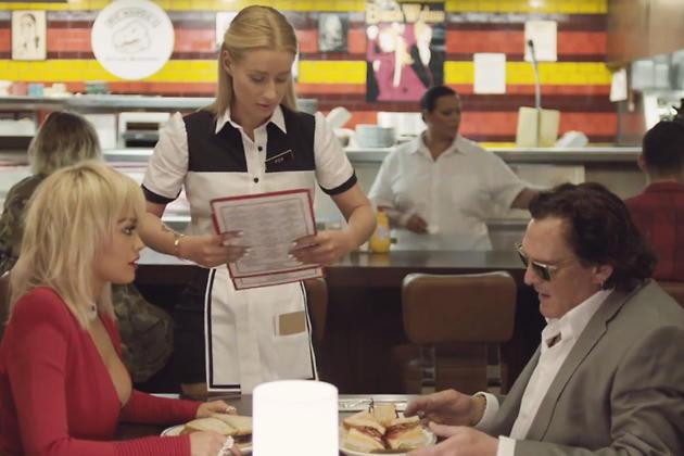 Рита Ора, Игги Азалиа и Майкл Мэдсен в клипе на песню «Black Widow»