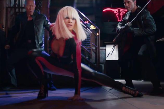 Рита Ора в клипе на песню «Black Widow»