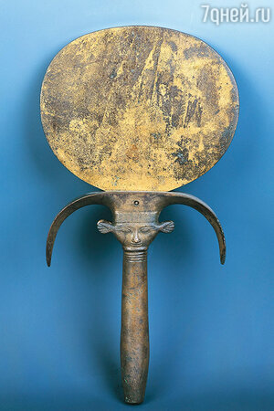 Бронзовое зеркало из Египта