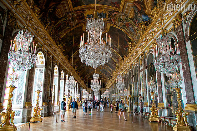 Зеркальная галерея Лувра