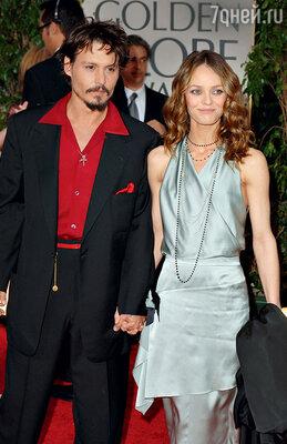 Когда о связи Джонни и Эмбер стало известно, Ванесса по-прежнему сохраняла лицо: «Все нормально. Мы семья, и ничего фатального не произошло»