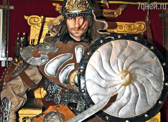 В доспехах времен Чингисхана Дмитрий выглядел очень гармонично