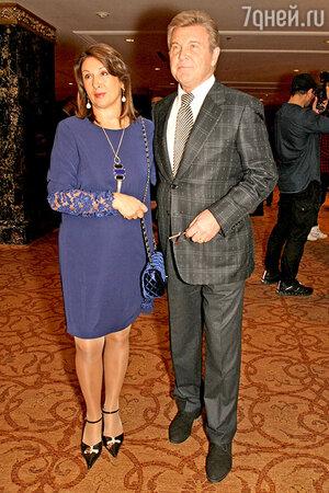 Лев Лещенко с супругой на показе новой коллекции IZETA
