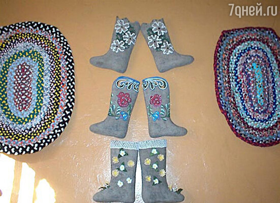 В музее «Русские валенки» вас научат прясть шерсть, валять войлок, украшать валенки и даже делать коврики, которые тоже можно будет забрать с собой домой