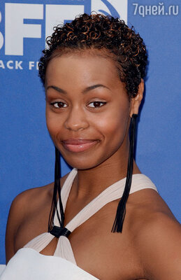 Таинственной темнокожей пассией Денни оказалась начинающая актриса Ютопия Эссекс