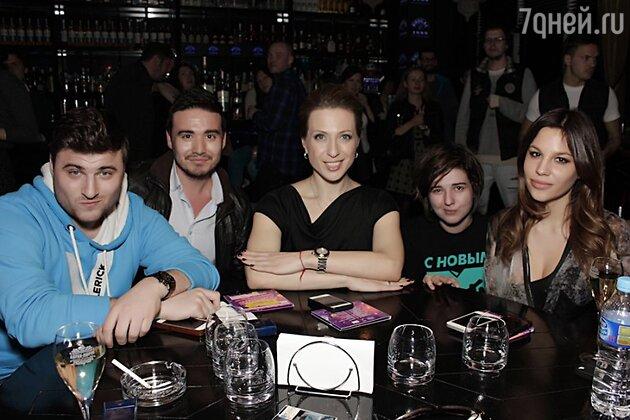 Яна Чурикова с гостями мероприятия