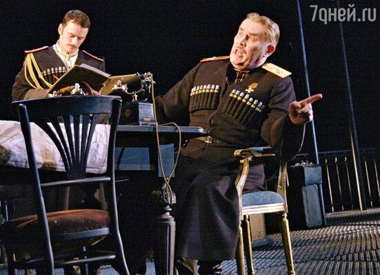 Спектакль «Белая гвардия» в МХТ имени Чехова