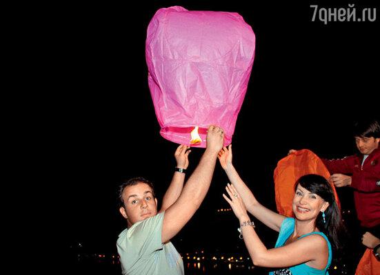Нонна Гришаева и Александр Нестеров отправляют воздушный привет сыну Илье в Одессу