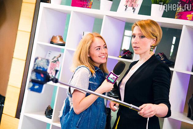 Яна Чурикова на презентации новой коллекции обуви