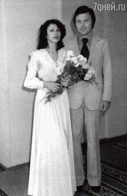 «Мы поженились. И все у нас было хорошо. Но через год после свадьбы со мной произошло несчастье...»