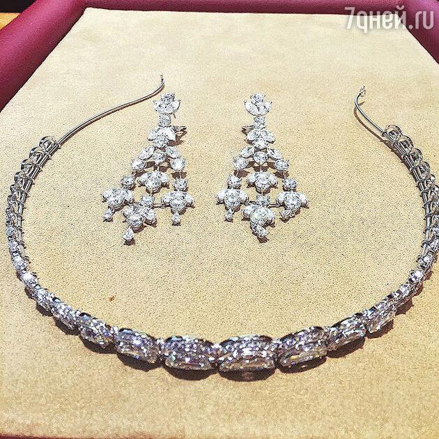 Бриллиантовая тиара и серьги невесты