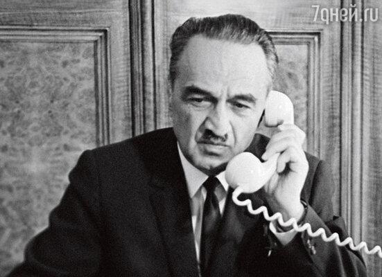 Дедушка Анастас Иванович Микоян много лет был членом Президиума Верховного Совета СССР