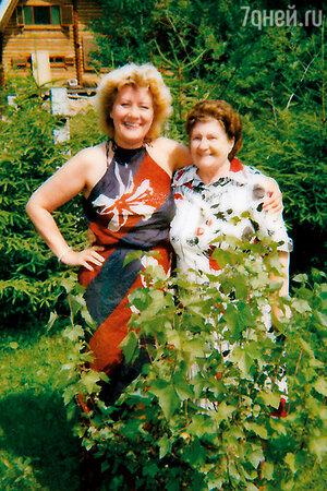 Елена Образцова с матерью