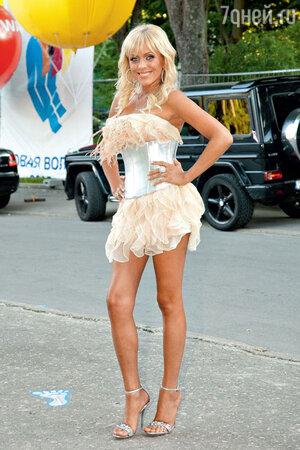 Юлия Началова на конкурсе «Новая волна».Юрмала, 2008 год