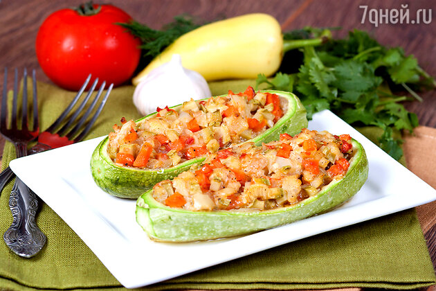 Кабачки, фаршированные сыром и шпинатом: рецепт для здорового обеда